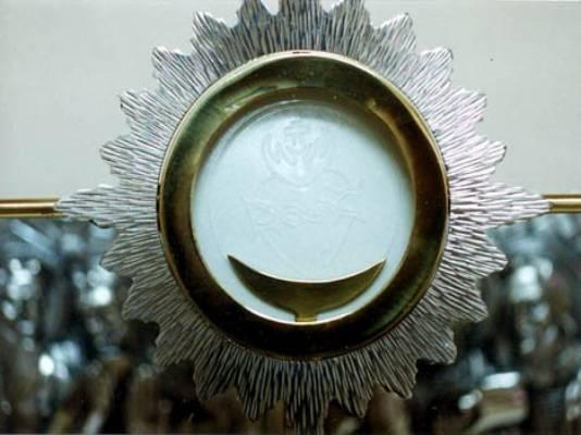 Naju-himmlische-Eucharistie.jpg